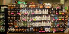 """Rum display in liquor store"" by User:O'Dea - Own work. CC 3.0"