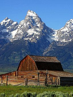 Mormon_row_barn_grand_teton_national_park